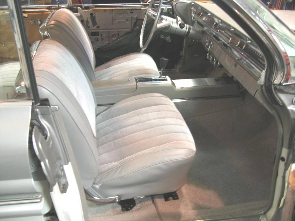 New Seats& console installed Oct.2006.JPG