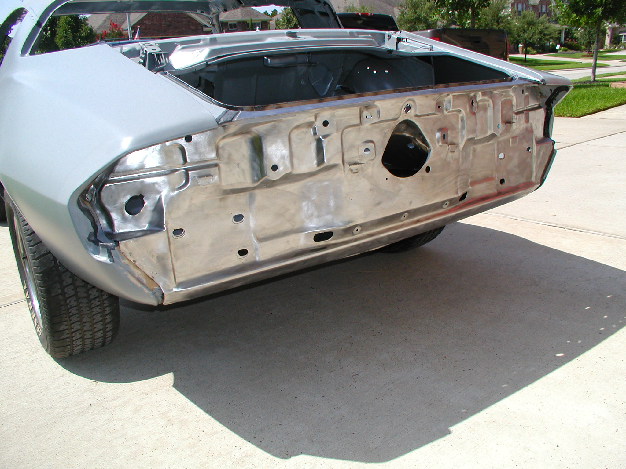 tail panel welding grinding and stripping complete 7-4-2011 002.jpg