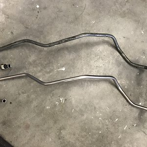 CaliWagon83's New pump-to-carb fuel line from Inline Tube